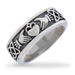Men's Antiqued Claddagh Wedding Band